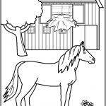 דף צביעה סוס עומד ליד אורווה