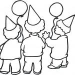 ילדים אוחזים בבלונים