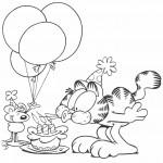 חתול חוגג יום הולדת