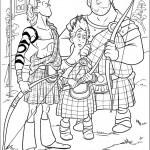 המלך פרגוס, לורד מקינטוש ובנו אוחזים בחץ וקשת