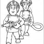 סמי ואלביס אוחזים בצינור הכיבוי