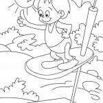 ילד קופץ למים ממקפצה